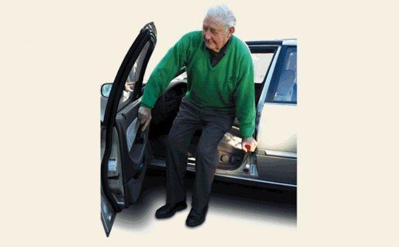 6 Simple Auto Aids for Seniors