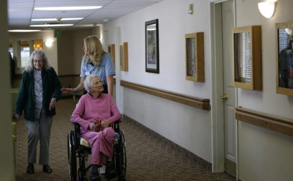 Tender nursing home care Central American
