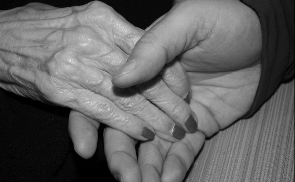 Caring for elderly parents at home benefits