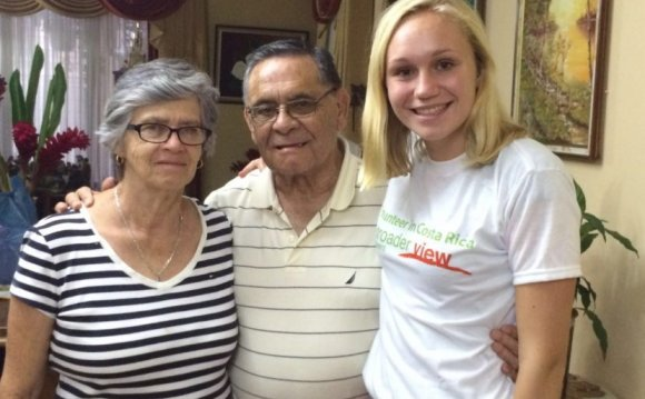 Help the elderly Volunteer Costa Rica